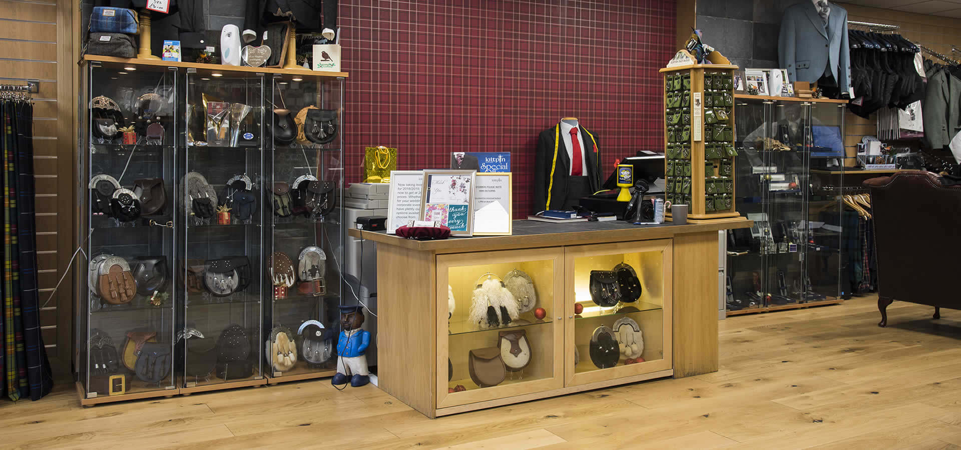 "<h1>Kiltpin Scotland</h1> <p>Our friendly, professional staff will help you make the important decisions when buying your own kilt outfit.</p> <p><a class=""the-button"" href=""http://www.kiltpin.com/product-category/kilt-hire/"">Kilts for Hire</a> <a class=""the-button"" href=""http://www.kiltpin.com/product-category/bespoke-outfits/"">Kilts for Sale</a></p>"